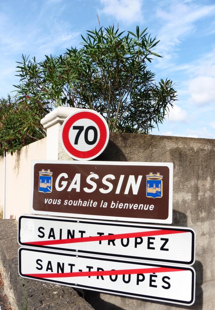 St Tropez signpost