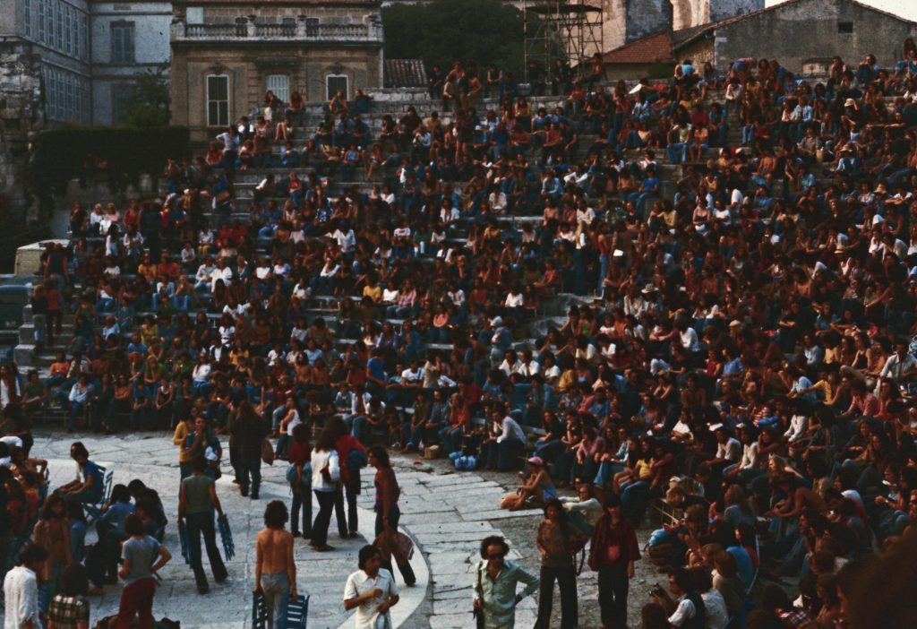 Arles Festival audience. August 6th 1975. Audience at the Theatre Antique